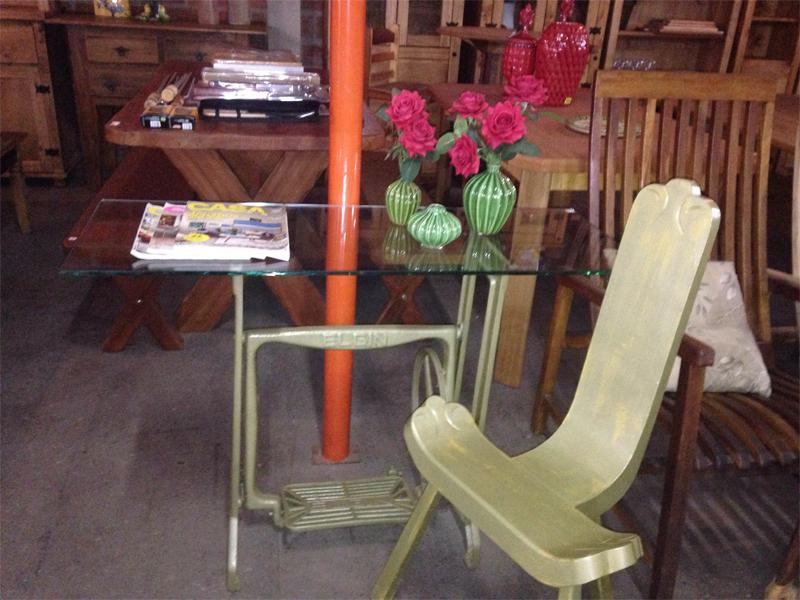 Aparador e Cadeira Juntando antigo e novo