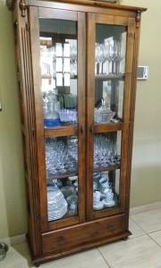 Cristaleira com espelho