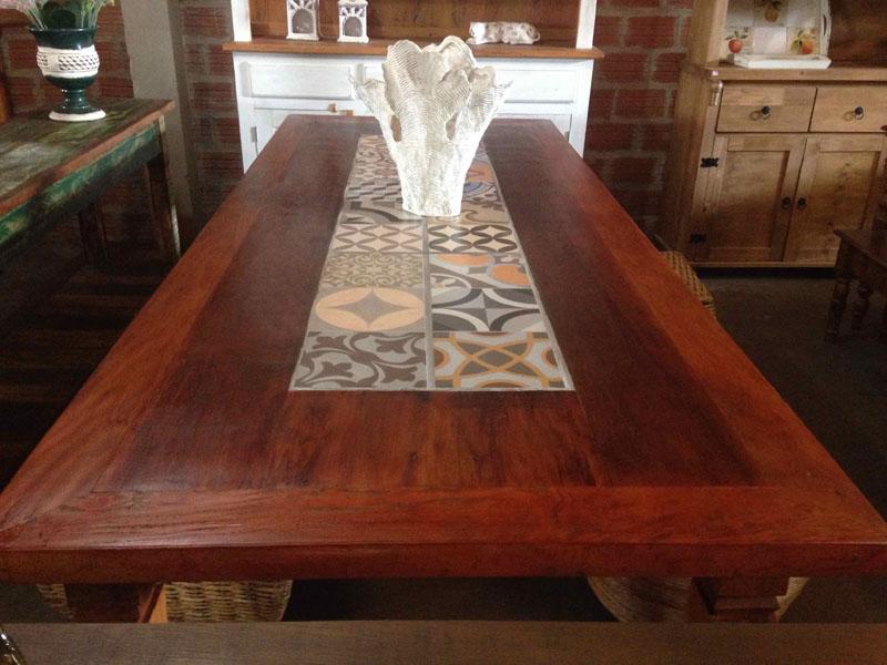 Mesa peroba azulejo