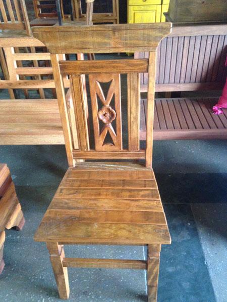 Cadeira Especial Peroba